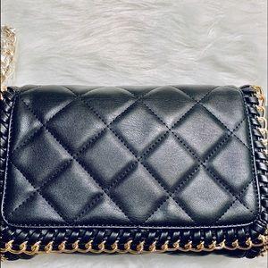 Nwt FOREVER 21 Black crossbody bag